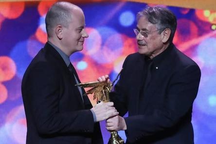 Нижегородский режиссер Алексей Красовский отдал свою премию «Ника» фонду Навального