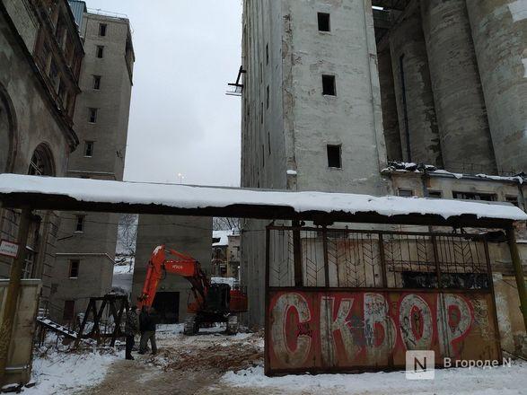 Технику для демонтажа элеватора завозят под метромост в Нижнем Новгороде - фото 7
