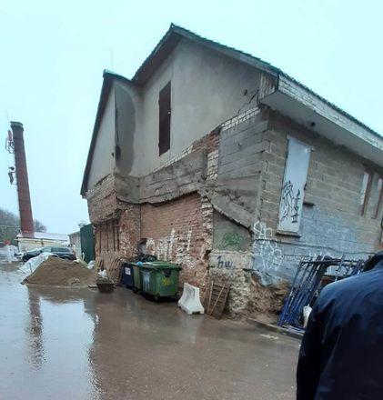 ОНФ обнаружил аварийные дома и провалы в асфальте на исторических улицах Нижнего Новгорода - фото 3