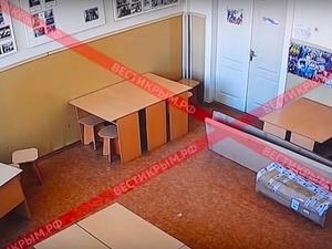 Опубликованы записи с камер видеонаблюдения в момент нападения на керченский колледж