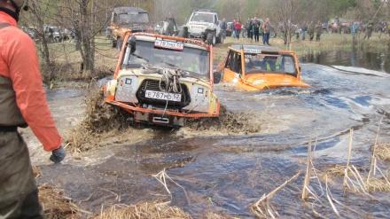 Около 60 экипажей приняли участие в первом этапе чемпионата Нижегородской области по трофи-рейдам