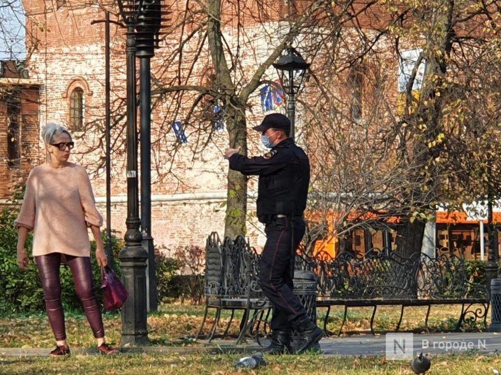 Службы экстренного реагирования прибыли к фонтану на площади Минина и Пожарского - фото 2