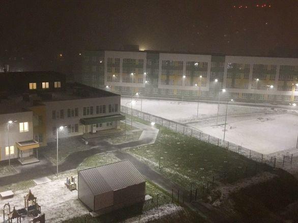 Фотографиями первого снега поделились жители Нижнего Новгорода - фото 1