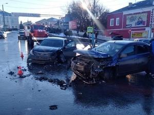 Четыре человека пострадали в аварии в Павлове
