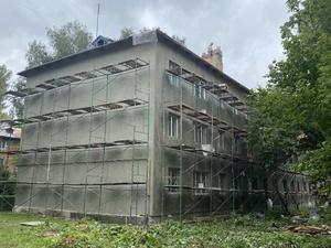 Фасады и крыши отремонтируют одновременно на десяти домах Советского района