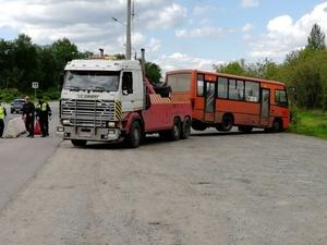 Неисправный автобус перевозил пассажиров в Нижнем Новгороде