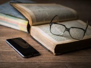 Подсознание в тренде: что читают россияне во время Черной пятницы