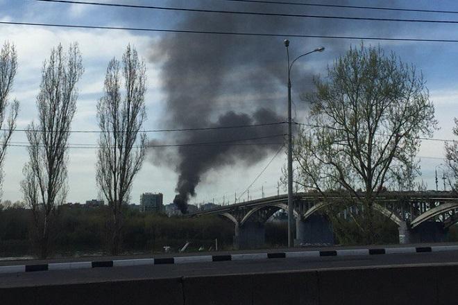 Маршрутка вспыхнула намосту вНижнем Новгороде