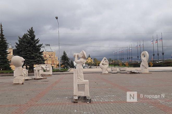 Скульптуры для украшения Нижне-Волжской набережной прозябают на площади Ленина - фото 3