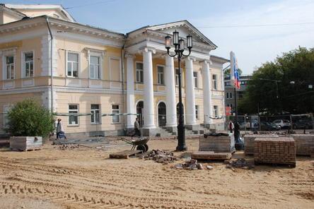 На Большой Покровской демонтировали старую брусчатку (ФОТО)