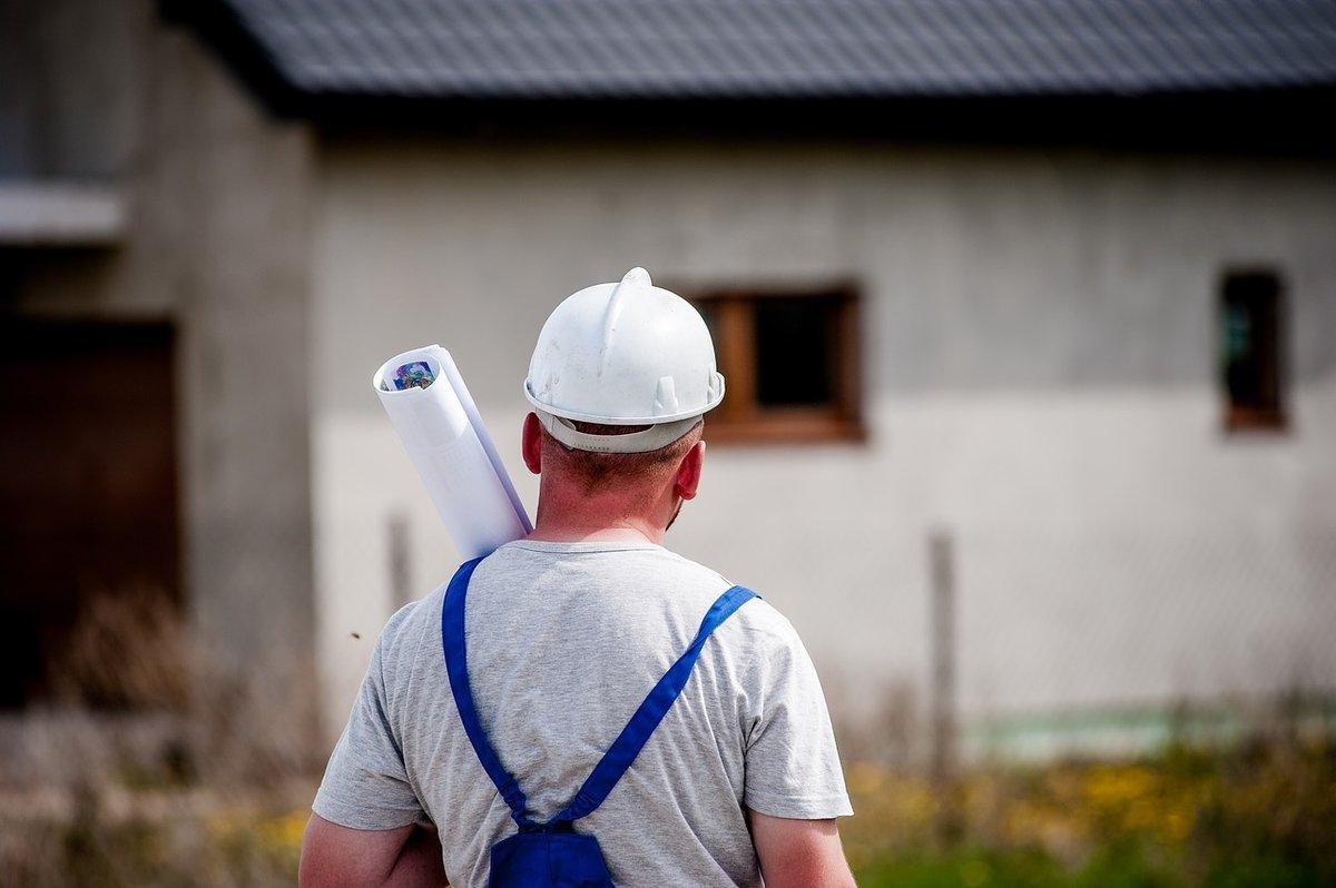 Застройщику территории у дома Ростислава Алексеева предложили переместиться на другой участок - фото 1