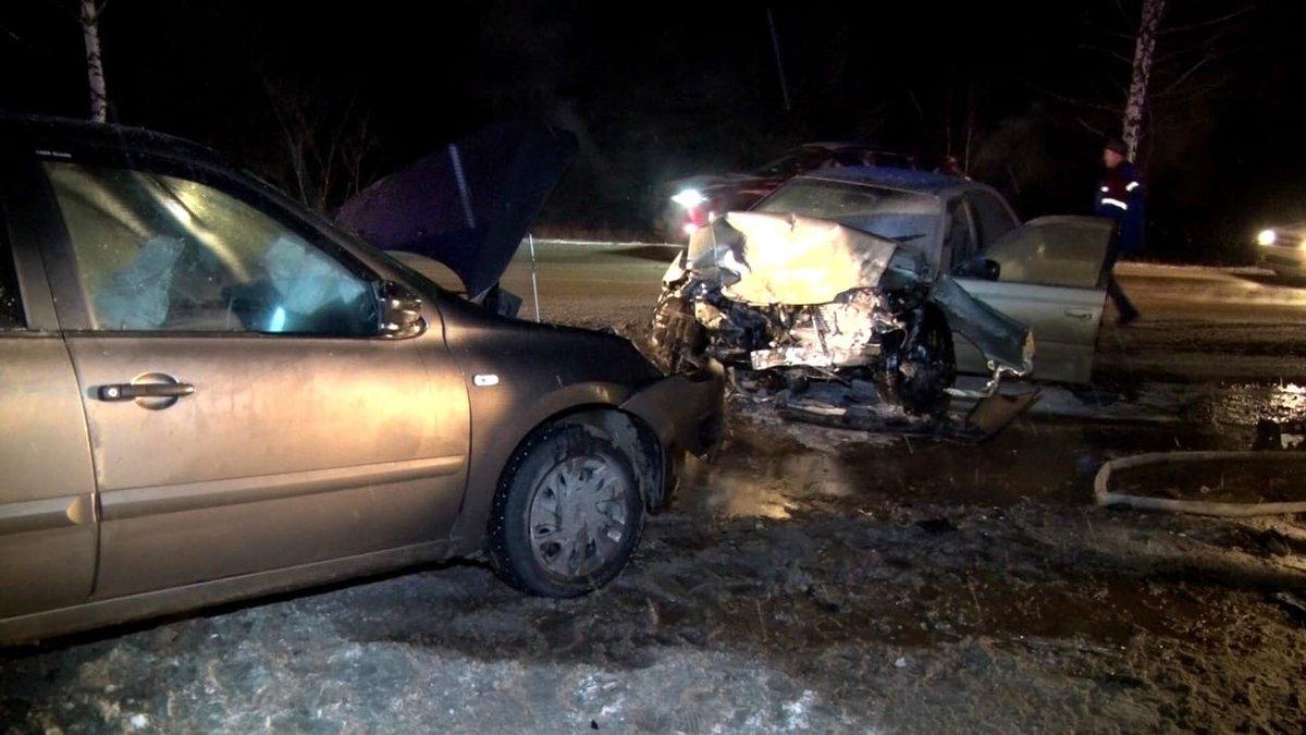 Три человека пострадали в аварии под Дзержинском - фото 1
