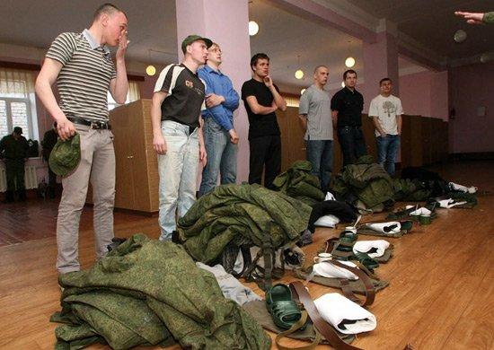 Почти 700 нижегородцев отправились в армию во время весенней призывной кампании - фото 1