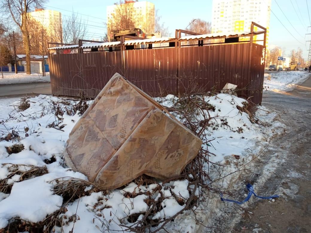 Нарушения выявлены на 8 контейнерных площадках в Приокском районе - фото 1