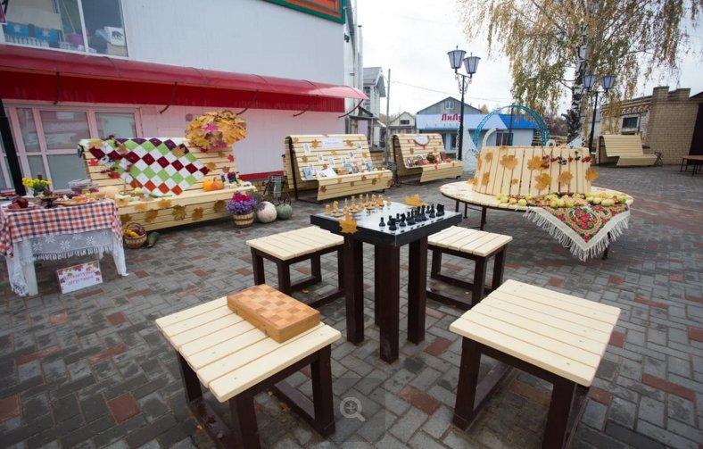 Фонтан с подсветкой и шахматные столы: в селе Вад открылась зона отдыха «Мечта» - фото 1